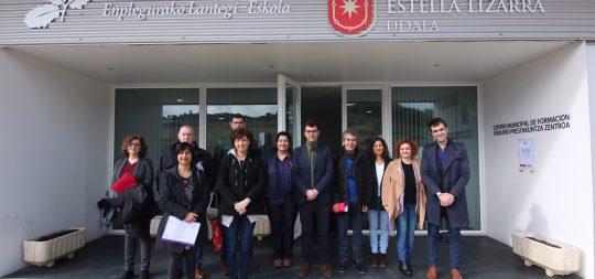 Imagen Parlamentarios de Derechos Sociales visitan la Escuela Taller