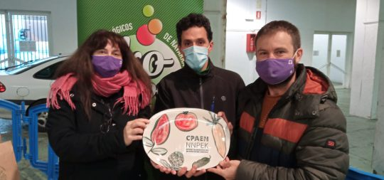 Imagen EL CPAEN/NNPEK premia al Ayuntamiento y a Plazara! por el mercado de producto local