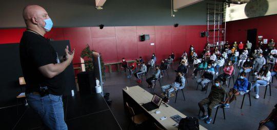 Imagen El Salón del Cómic llega al IES Tierra Estella para visibilizar el acoso escolar